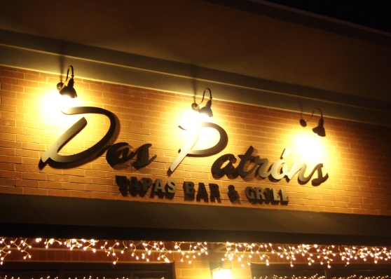 Dos Patrons outside