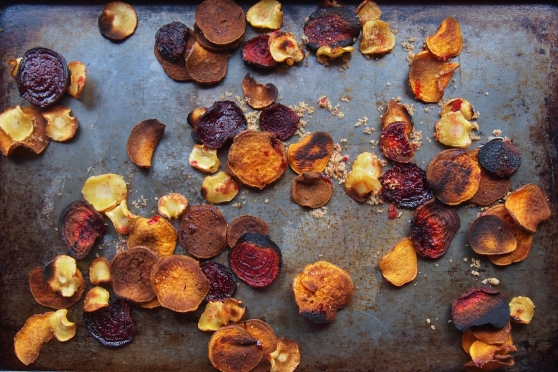 Root vegetable chips on tray