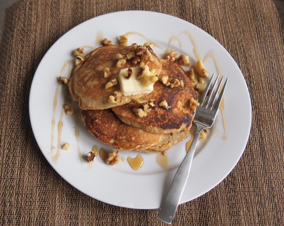 Quinoa pancakes plated